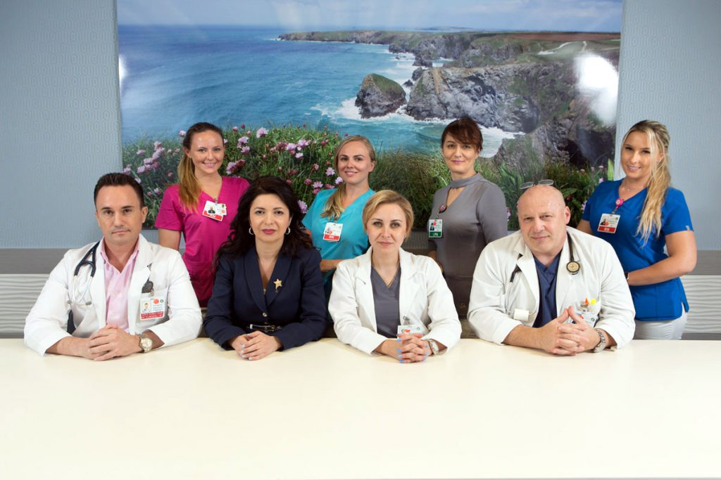 Staff photo with doctors and nurses